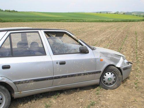 Verkehrsunfall - Pkw am Dach