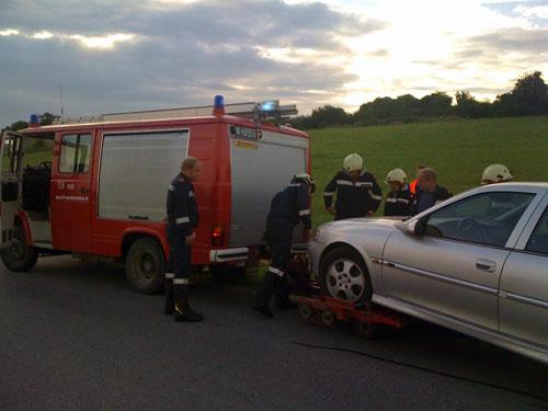 Fahrzeugbergung zwischen Münichsthal und Wokersdorf
