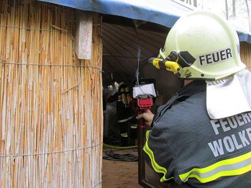 Brand einer Strohhütte (B2)