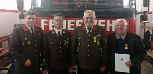 Ehrungen für langjährige Feuerwehrmitgliedschaft