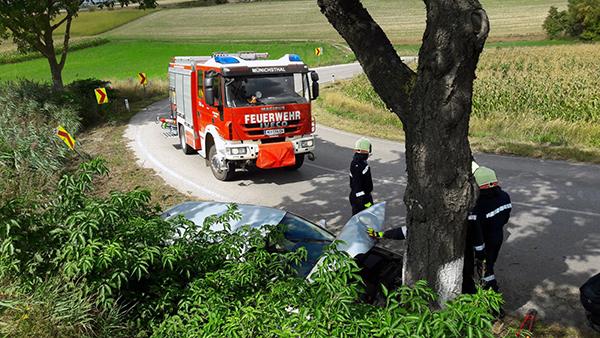 Fahrzeugbergung zw. Münichsthal und Großebersdorf
