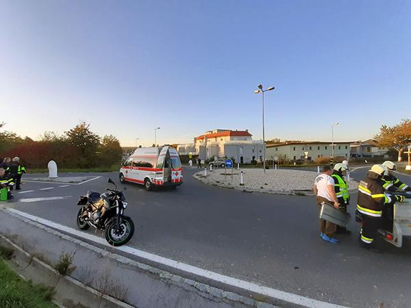 Verkehrsunfall im Kreisverkehr