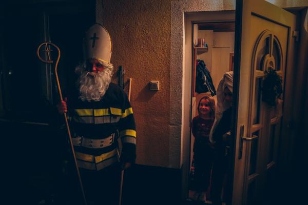 Nikolaus besucht Feuerwehrjugend