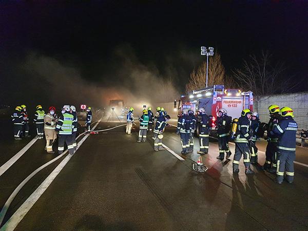B3 - LKW-Brand A5 Richtung Wien