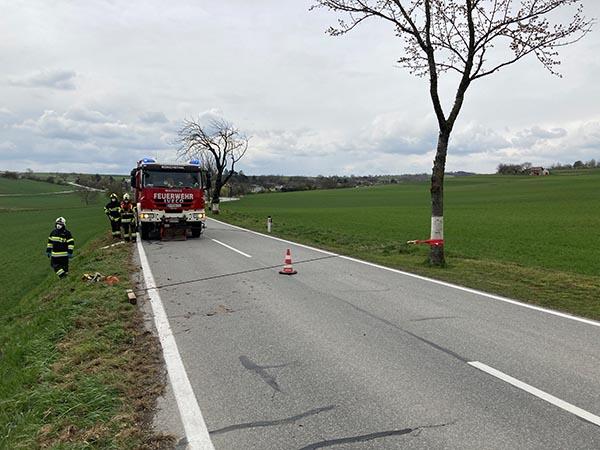 Fahrzeugbergung (T1) - L34 Richtung Ulrichskirchen