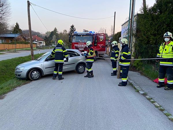 Fahrzeugbergung (T1) im Ortsgebiet