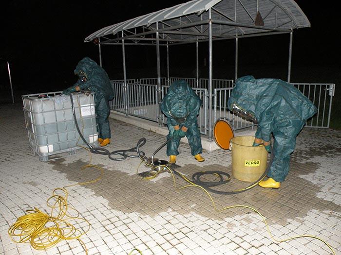 Übung der Schadstoffgruppe in Wolkersdorf