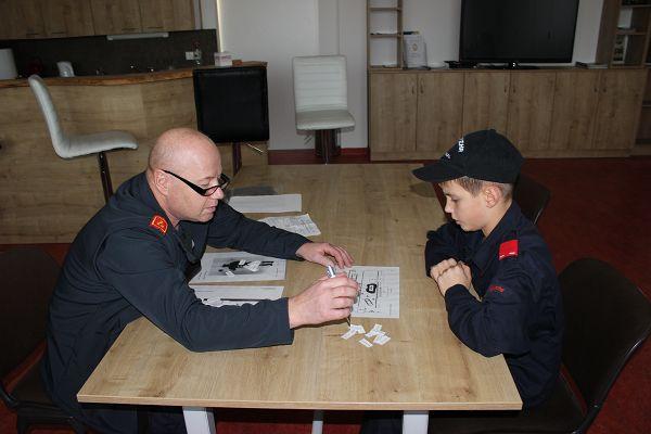 Fertigkeitsabzeichen Feuerwehrsicherheit und Erste Hilfe